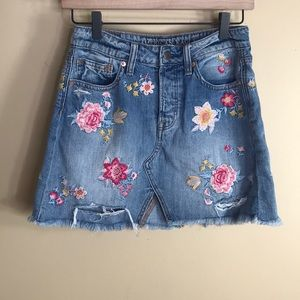 AEO floral embroidered denim jean skirt